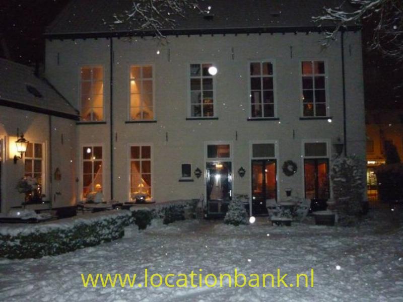 achterzijde huis winter