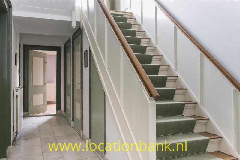 brede trap naar bocen