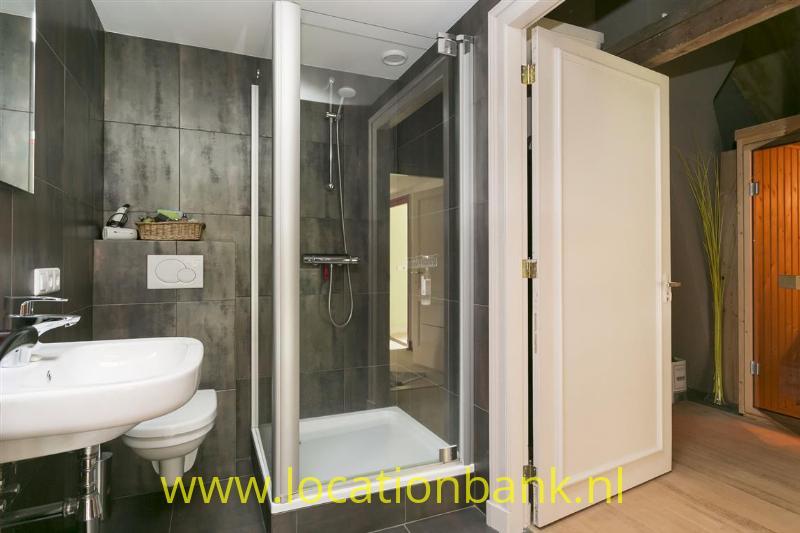 tweede badkamer op tweede verdieping