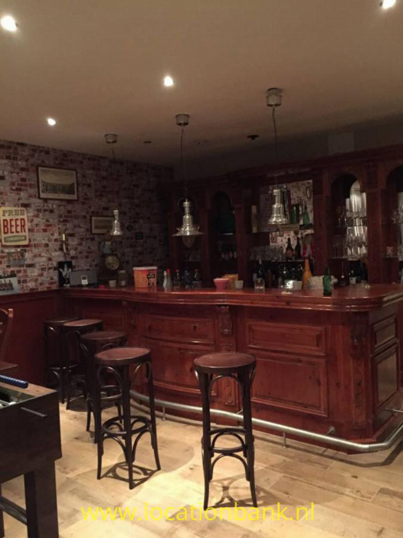Bar in woning