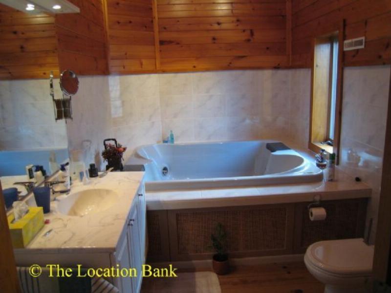 Badkamer met dubbel bad