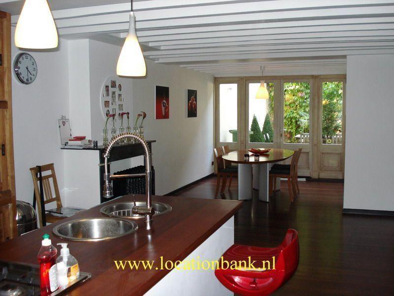 Keuken met living of huiskamer