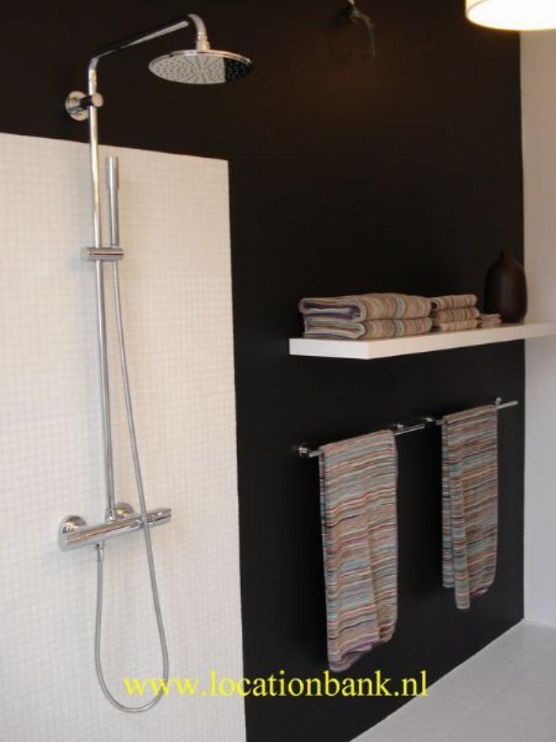 Badkamer met moderne douche