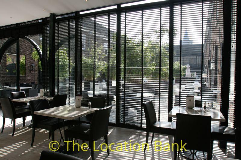 restaurant en binnen terras